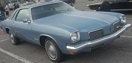 Una Oldsmobile Cutlass Supreme coupé del 1973