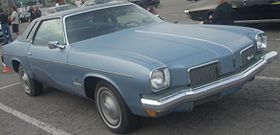 '73 Oldsmobile Cutlass Supreme Coupe (Les chauds vendredis '10).jpg