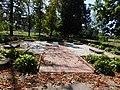 Могили активістів, міліціонерів в центральному парку м.Борзна.jpg