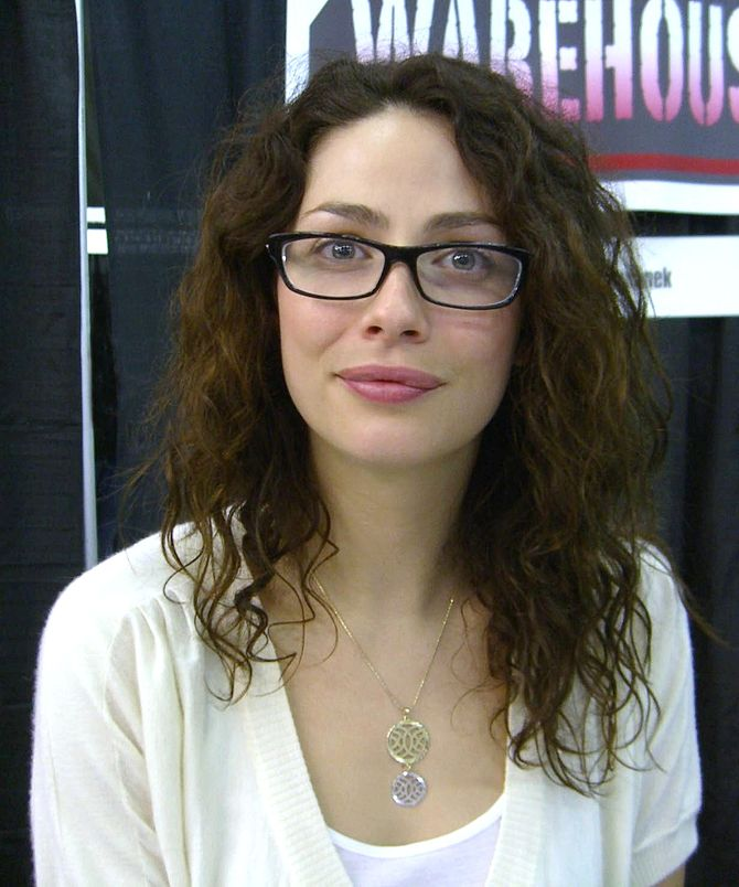 English: Actress Joanne Kelly at the Big Apple...