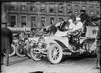 1908 New York to Paris Race - Cars lined up for the start: De Dion-Bouton (in front), Protos, Motobloc