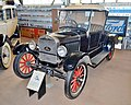1926 Ford Model T, National Road Transport Hall of Fame, 2015 (01).JPG
