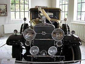 What Is Sedan Car >> Cadillac V-12 - Wikipedia