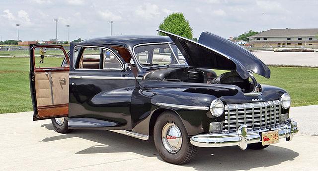 File:1946 Dodge D24C 4-Door Sedan Suicide Doors & Gullwing ...