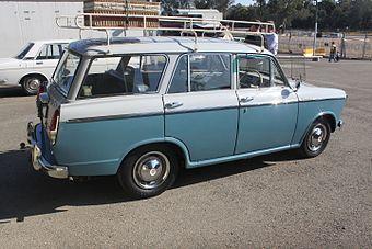 340px-1963_Datsun_Bluebird_%28WP312%29_Special_station_wagon_%2820895999998%29.jpg