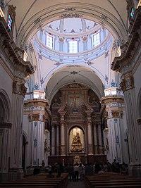 20010514 Dolores Iglesia int 2.jpg