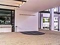 2005-06-15-bonn-kurt-schumacher-strasse-3-deutsche-welle-ich-und-der-hahn-01.jpg