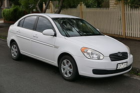 2006 Hyundai Accent (MC) sedan (2015-07-14) 01.jpg