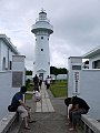 2011-11-18 鵝鑾鼻燈塔與遊客.jpg