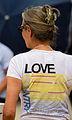 2012 05 27 052 Frau mit T-Shirt.jpg
