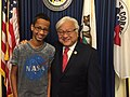 2015 US Congressman Mike Honda with student Ahmed Mohamed 03.jpg