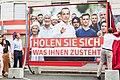 """2017 Präsentation Plakatsujets """"Holen Sie sich, was Ihnen zusteht"""" (35556820033).jpg"""