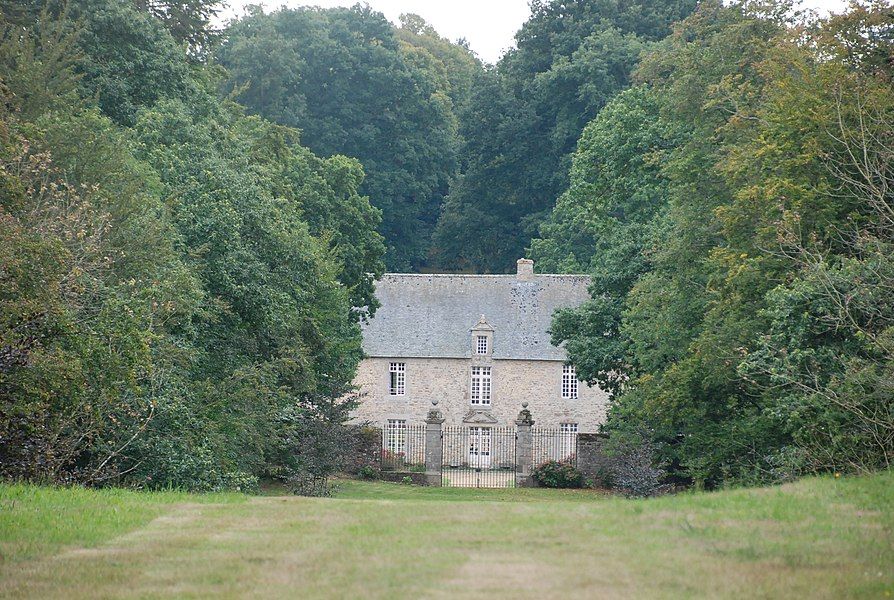 Vue du manoir de Boisgelin depuis la D96