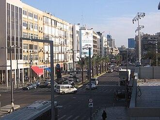Ibn Gabirol Street - Image: 31.03.09 Tel Aviv 091 Ibn Gvirol South