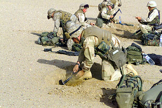 Defensive fighting position - Image: 3rd Battalion 4th Marines dig in near Iraqi border 2003 03 20
