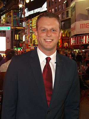 Nick Dixon (British journalist) - Dixon reporting on Daybreak from Times Square on 28 April 2011