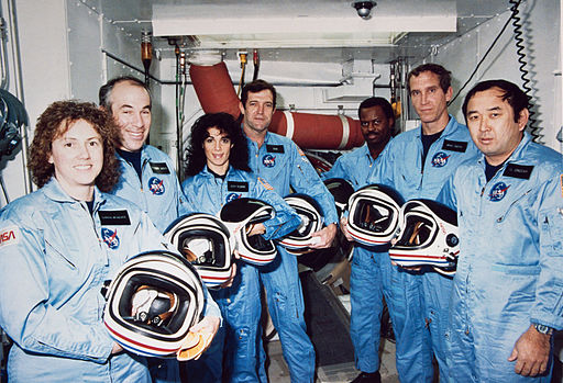 51-L Challenger Crew in White Room - GPN-2000-001867
