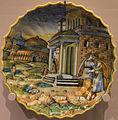Abimélech épiant Isaac et Rébecca - Coupe godronnée à bord dentelé (majolique, Urbino ou Lyon).jpg
