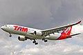 Airbus A330-223 - TAM Linhas Aéreas (PT-MVO).JPG