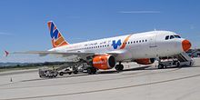 L'Airbus A319-100 marche EI-DVD all'aeroporto di Forlì