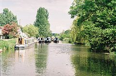 Aldermaston Wharf - geograph.org.uk - 127661.jpg