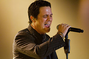 Alejandro Sanz - Sanz performing on May 28, 2008.