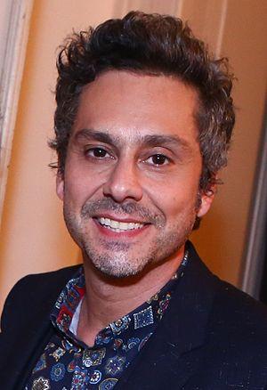 Império - Alexandre Nero plays the protagonist Commander José Alfredo.