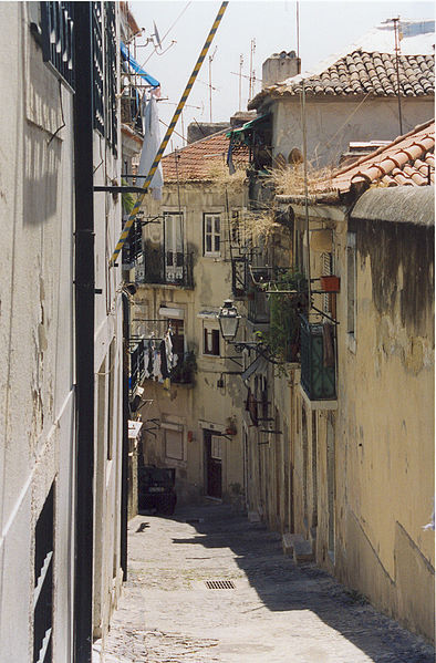 File:Alfamako karrika - Lisboa - panoramio.jpg