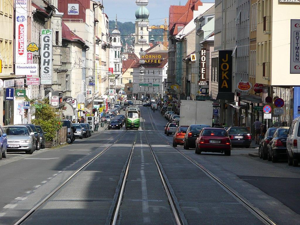 1024px-Annenstrasse_Tram_Graz.JPG