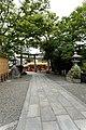 Approach to Fushimi Inari (2616095618).jpg