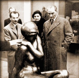 Ataturk opens Ankara Museum of Fine Arts and Sculpture