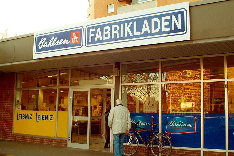File:Bahlsen Fabrikladen Sutelstraße Hannover-Bothfeld ...