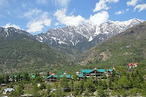 Kullu - Kullu town lies on the bank of Beas River.