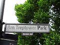 Berlin-Alt-Treptow Am Treptower Park Kork-Männchen.JPG