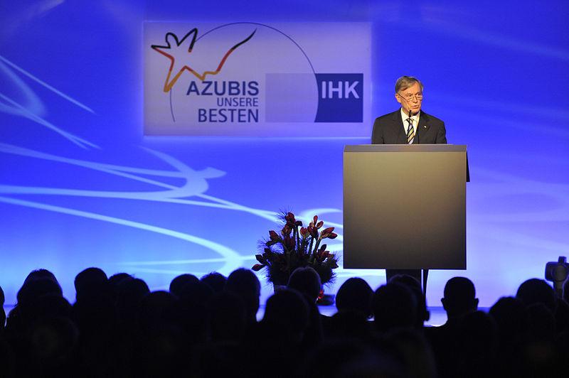 File:Bestenehrung 2009 Bundespräsident.jpg