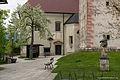 Bled courtyard (18017791181).jpg
