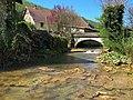 Blois-sur-Seille, le pont en haut du village.jpg