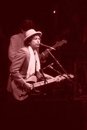 English: Bob Dylan performing in Ahoy Rotterda...