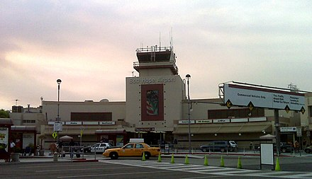 Front of Bob Hope Airport, 2009 Bobhope airport 09.jpg