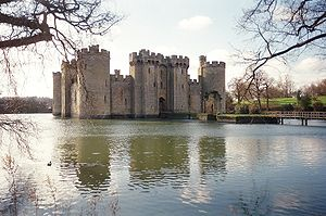 Water castle - Bodiam Castle (Sussex, England)