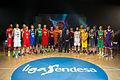 Borja Prado con las 18 estrellas de la Liga Endesa.jpg