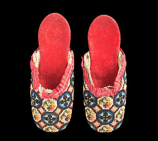 Slipper light footwear made for indoor wear, generally without means of fastening