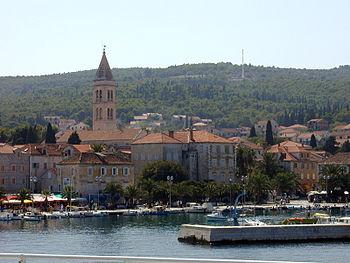 Veduta del porto di San Pietro sull'isola di Brazza