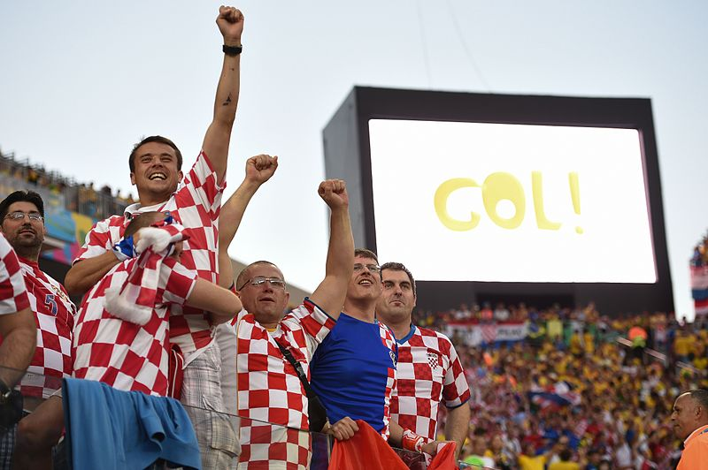 Файл:Brazil and Croatia match at the FIFA World Cup 2014-06-12 (05).jpg
