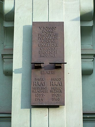 Pavel Haas - Memorial plaque to Pavel and Hugo Haas at the house where they grew up in Brno