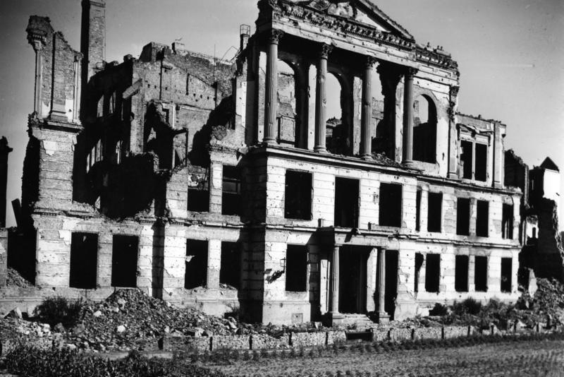 Bundesarchiv B 145 Bild-P054489, Berlin, Ruine des Volksgerichtshofes