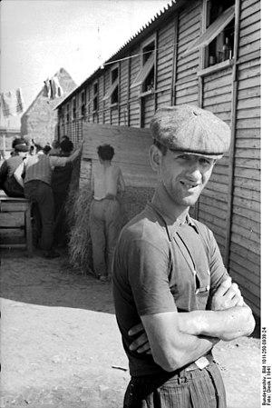 Beaune-la-Rolande internment camp - PK 696, Prisoner at the internment camp