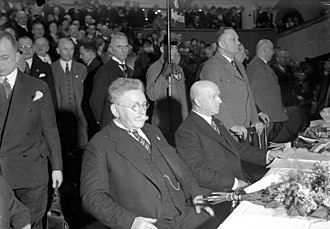 1932 German presidential election - Hugenberg (left) and Duesterberg on a DNVP election rally in the Berlin Sportpalast, March 1932