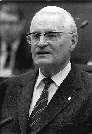Gerald Götting - Image: Bundesarchiv Bild 183 1986 0617 033, Gerald Götting