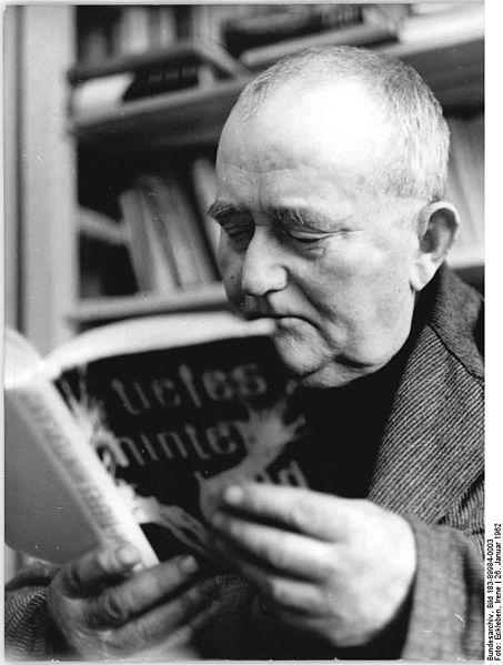 File:Bundesarchiv Bild 183-89984-0003, Buschdorf, Nutzer der Dorfbibliothek.jpg
